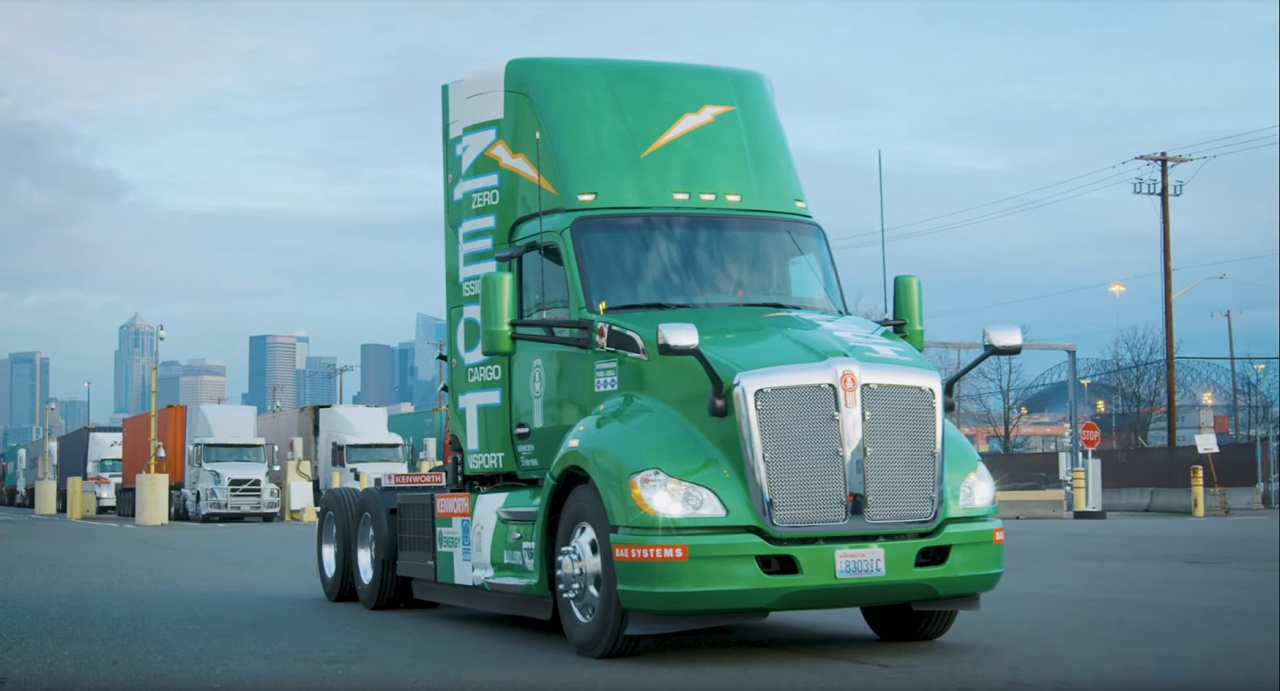 Zero-Emission Kenworth T680, работающий на водородных топливных элементах.jpg