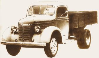 Опытный ГАЗ-11-51 1939 г. Выделялся оригинальным дизайном кабины