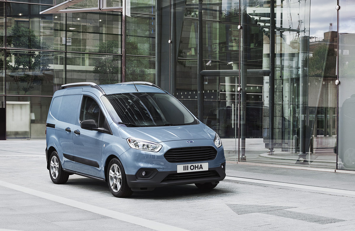 2017FordTransitCourier_1200.jpg
