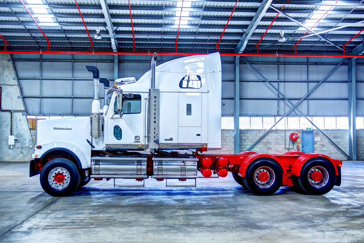 На вершине Western Star Trucks Australia стоят машины с индексом «6900FXC».jpg