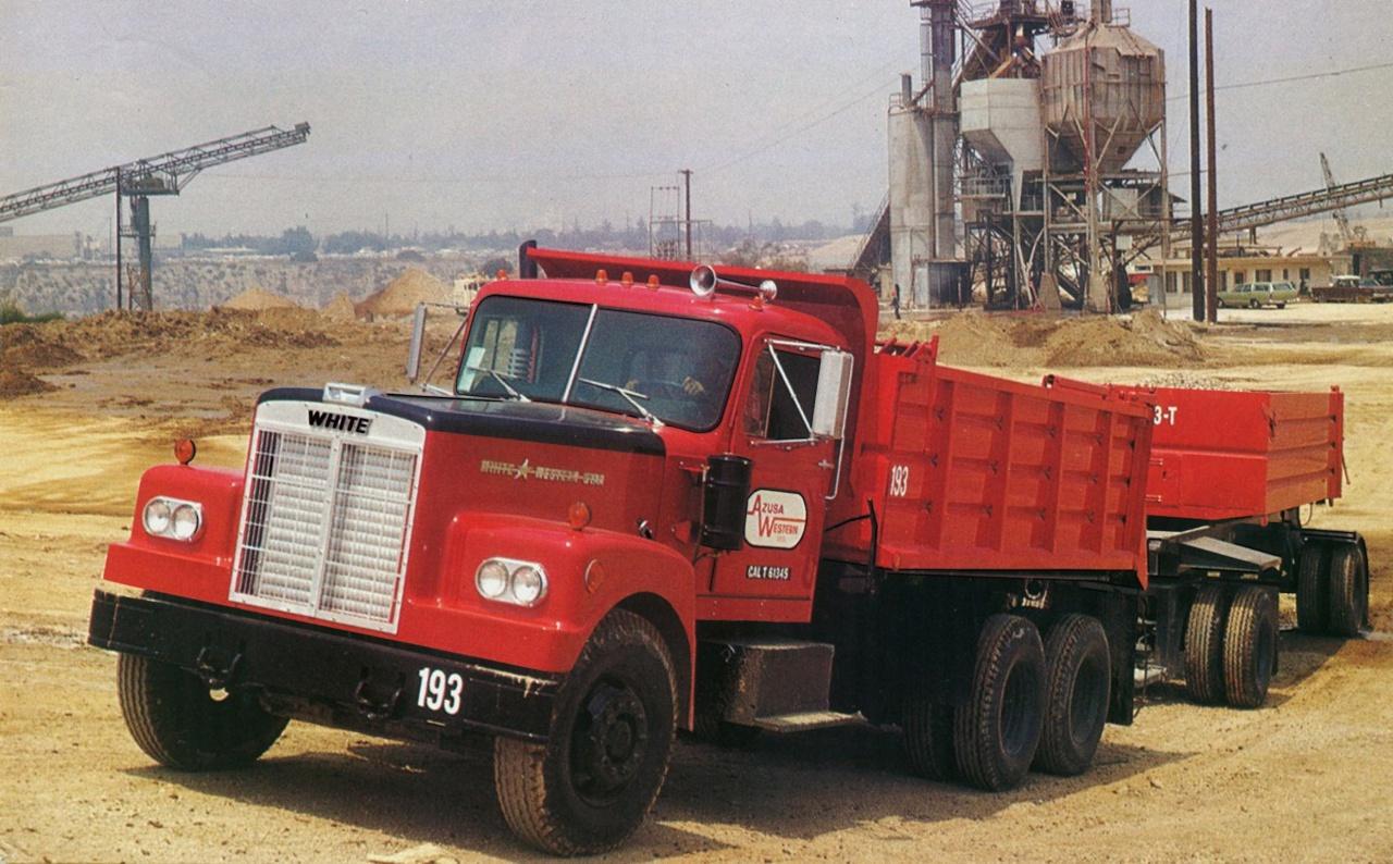 Популярность получили и строительные самосвалы White-Western Star 4864..jpg