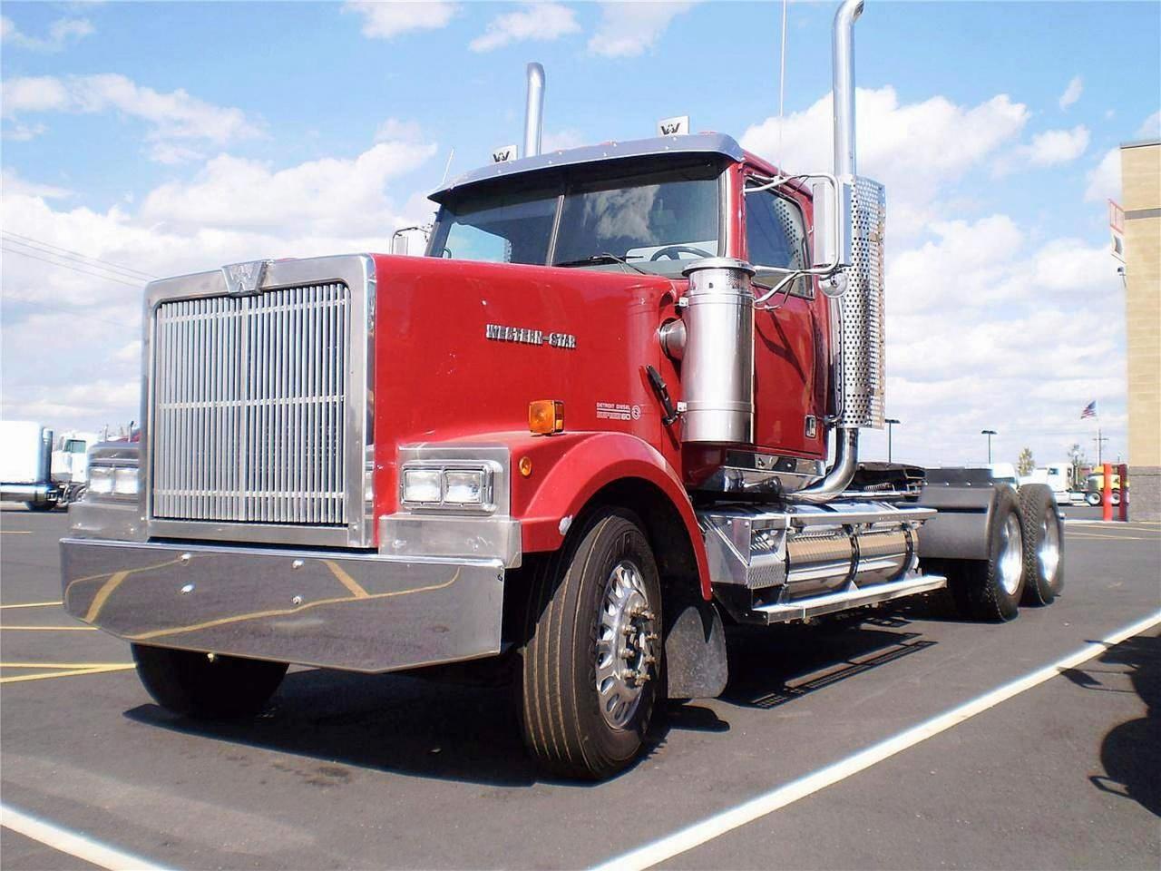 Новую страницу в истории Western Star в 1996 году открыли грузовики серии Constellation.jpg